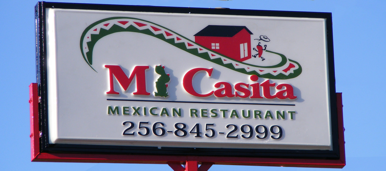 Lighted sign for Mi Casita, a Mexican restaurant located in Fort Payne, Alabama.